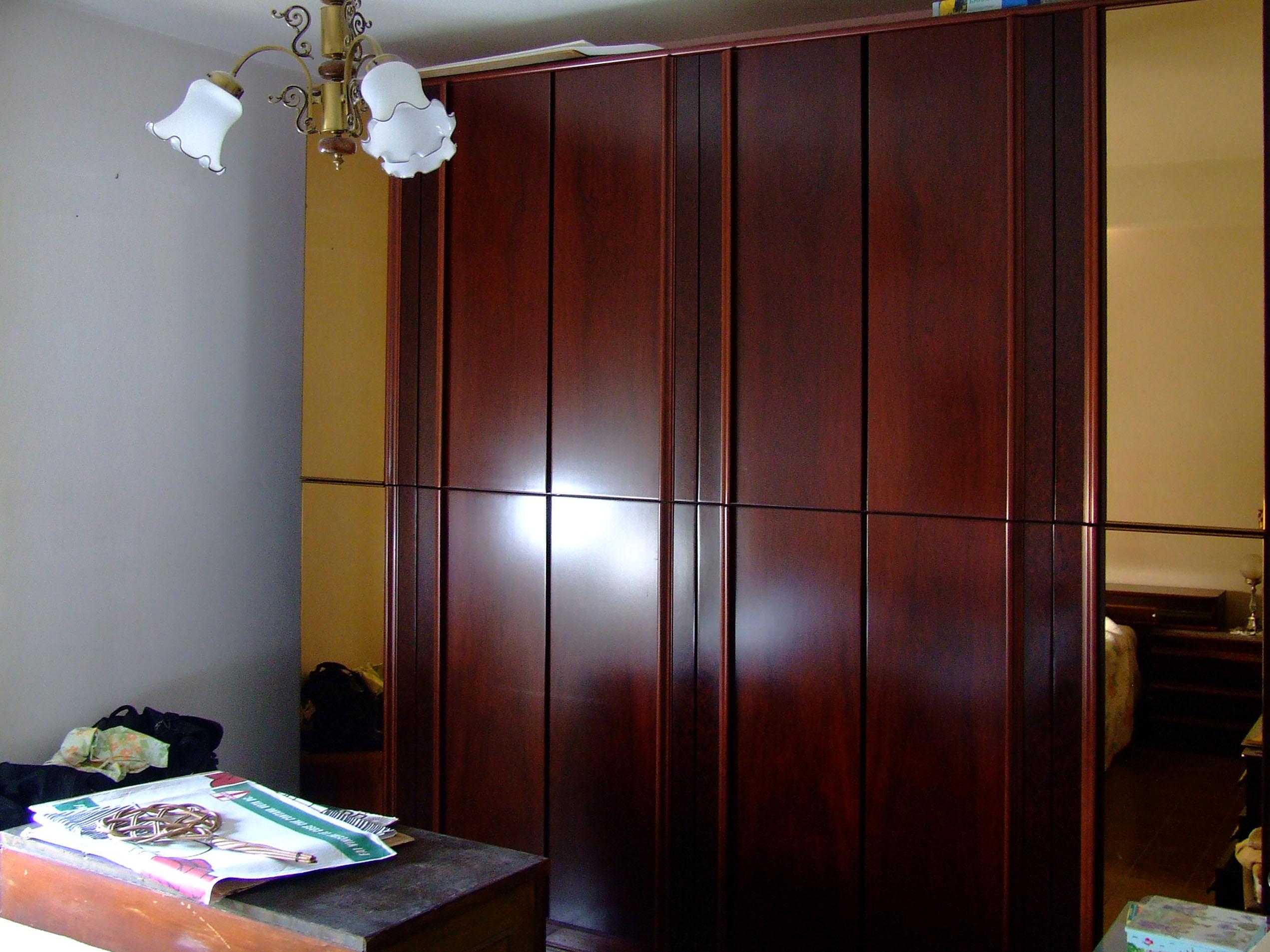 Camera da letto matrimoniale anni \'70 comprendente: armadio ...