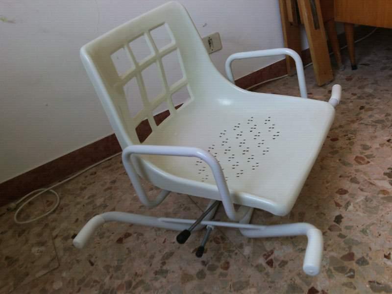 Vasca Da Bagno Usato : Sedia girevole per vasca da bagno per anziani disabili usata ma