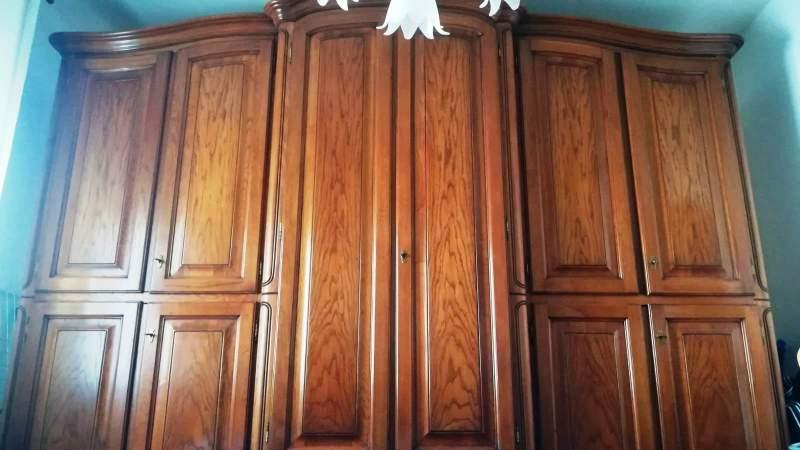 Camera Da Letto In Legno Massiccio Usata : Vendo camera da letto completa in legno massello castagno e in