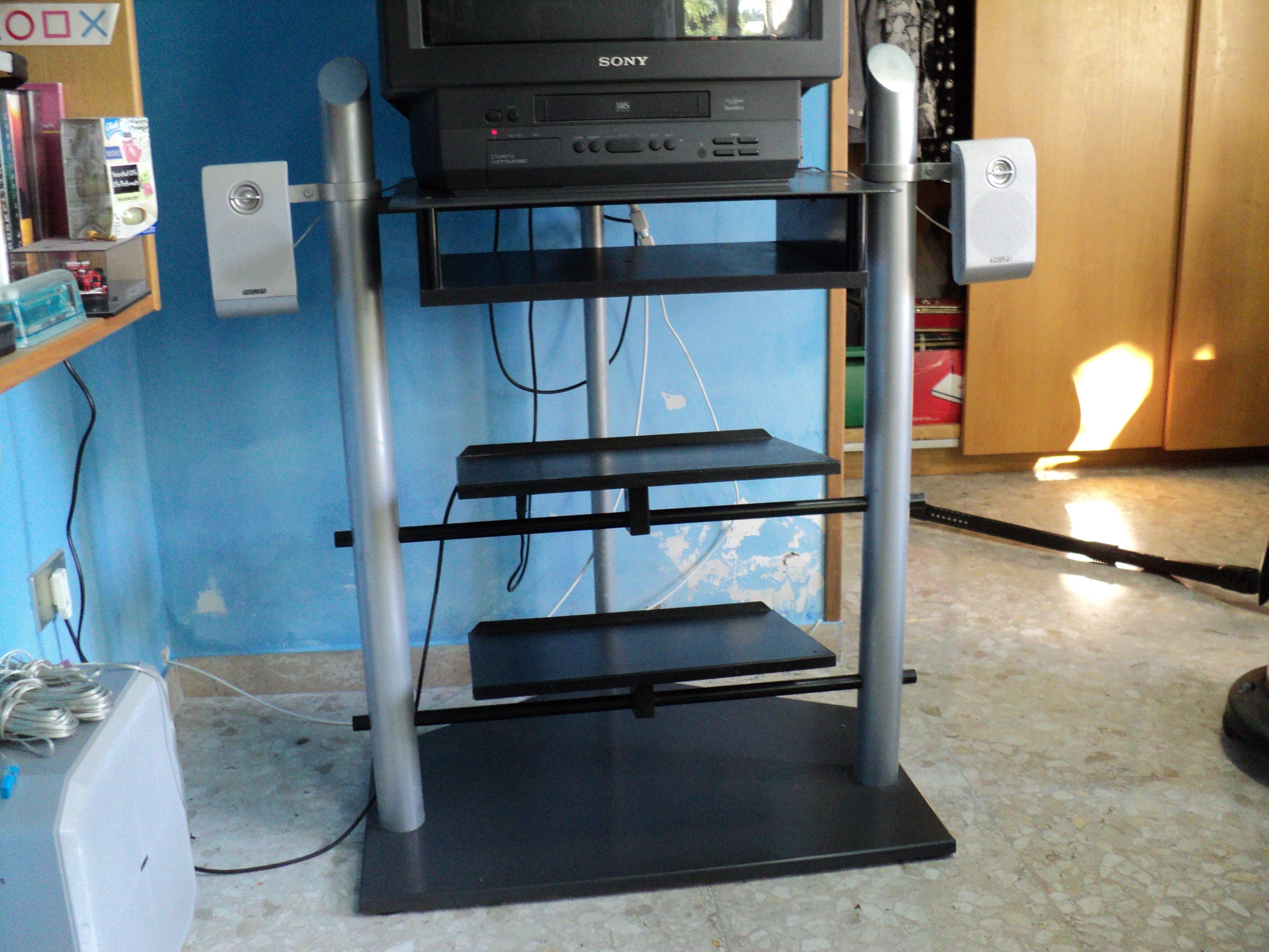 Mobile porta tv con 3 ripiani per altri componenti come for Mobile tv usato